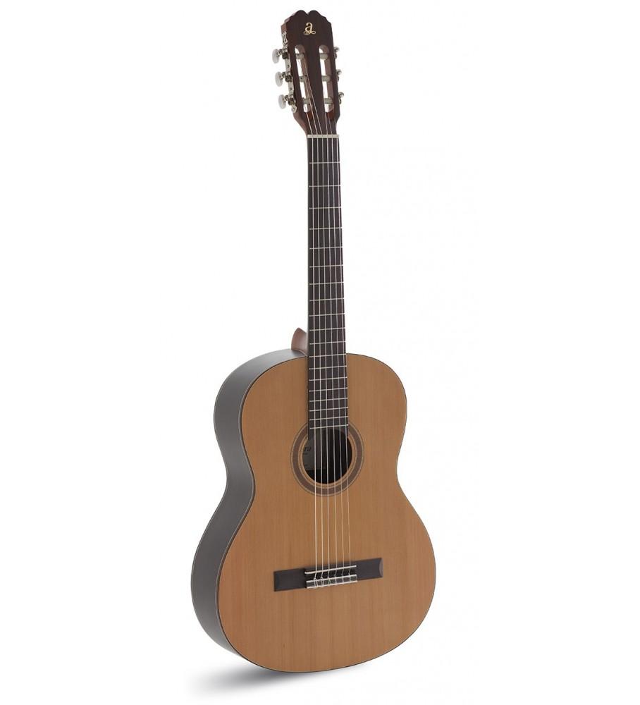 Música Asensio Guitarra clásica Admira Irene